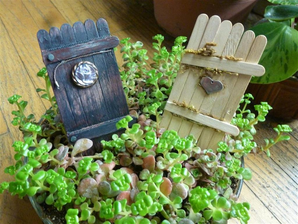 Whatinspiresu my first fairy garden doors for Outdoor fairy door