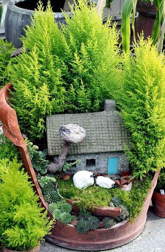 broken pot fairy garden pinterest 13