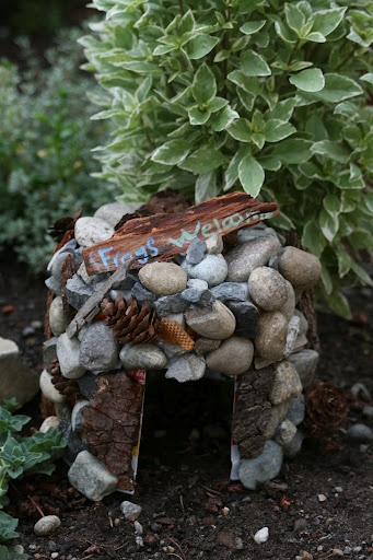 Fairy doors 9 creative fairy doors ideas you can do Make your own toad house