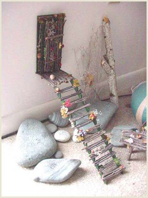 Fairy doors 9 creative fairy doors ideas you can do yourself for Idea behind fairy doors