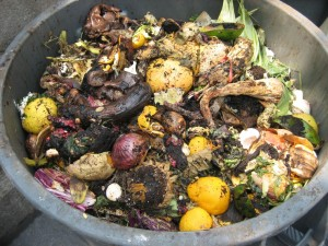 garbage-can-homemade-compost-bin