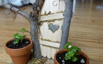 How To Make Fairy Doors. A 15 Minute Craft (with Pictures)